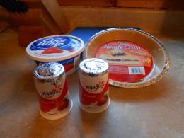 Ingredients to make a Strawberry Yogurt Pie
