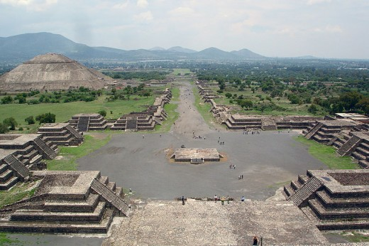 Avenue of the Dead and the Pyramid of the Sun, viewed from Pyramid of the Moon.