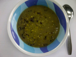 Mung bean porridge is also often mixed with black-sticky rice.