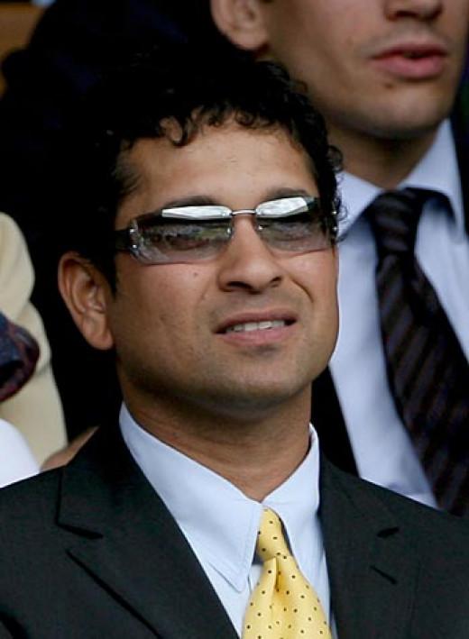 Sachin Tendulkar watching Roger Federer's Match v/s Rafael Nadal
