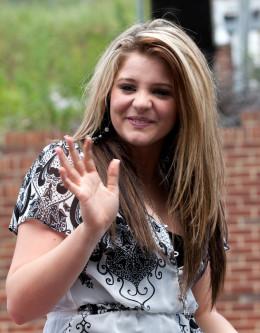 Lauren Alaina on parade, 5/14/2011.