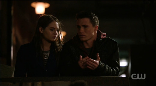 Thea and Roy Harper plan to meet the vigilante.