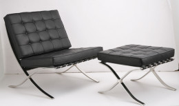 Barcelona chair with ottoman