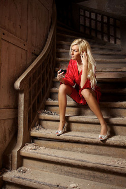 Photographing a Lady in a Red Dress