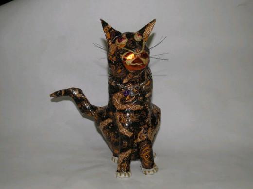 The result: A batik sitting cat.