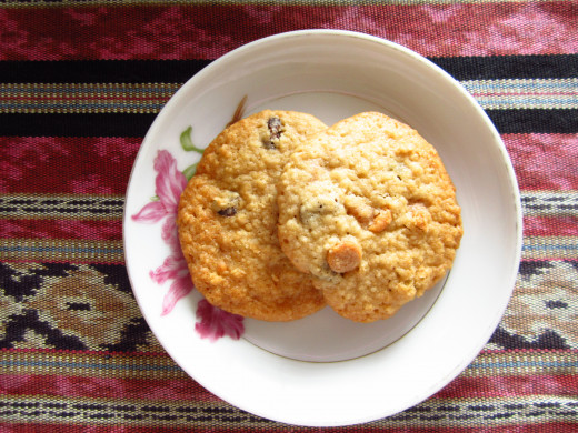 Oatmeal Raisin with Dark Chocolate Chips Cookies