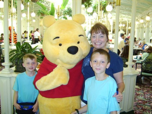Character breakfast at The Magic Kingdom: one child and two adults, according to WDW