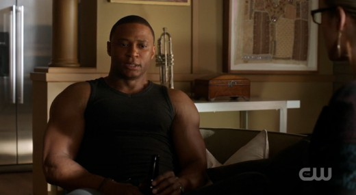Diggle's just chillin' with a brew when he should be trying to save Walter.