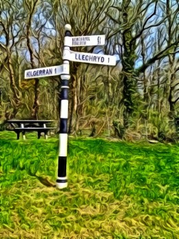A signpost which if you notice our village is spelt in the old way of Kilgerran .Whereas today it is spelt Cilgerran.Another quaint gem to add to the beauty that surround me daily.