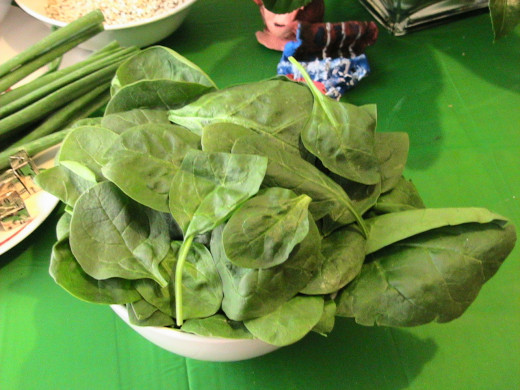 We all know that spinach is good for us. 100g of farm fresh spinach contains 25% of our daily intake of iron.