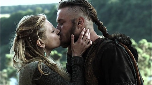 Lagertha (Katheryn Winnick) and Ragnar (Travis Fimmel) © MGM Television/History