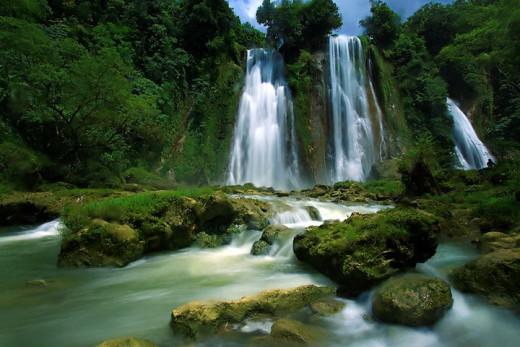 Cikaso Waterfall.