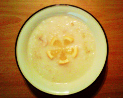 Avgolemono - A traditional Greek soup!