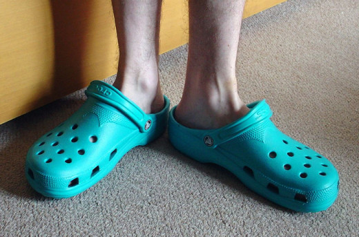 Don't like the good old bulky Crocs style? Now you have more choices!
