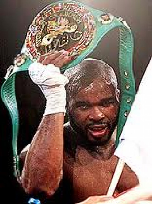O Neil Bell unified the World Cruiserweight title, the only boxer to do so besides Evander Holyfield.He was a boxer puncher who had a solid jab.