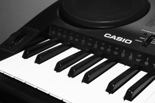 A Keyboard synthesizer with MIDI capabilities .