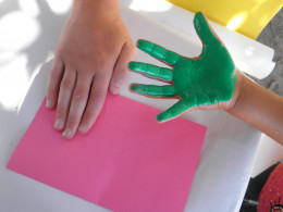 Step 1: How to make a childs hand-print flower art craft