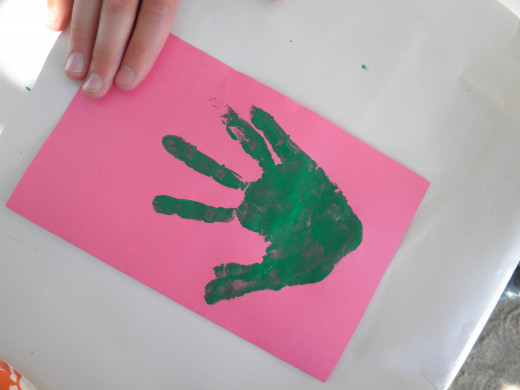 Step 2: How to make a childs hand-print flower art craft
