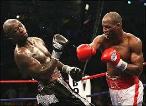Bernard Hopkins beat Antonio Tarver for his first of three light heavyweight titles. He is also the oldest champion in boxing history.