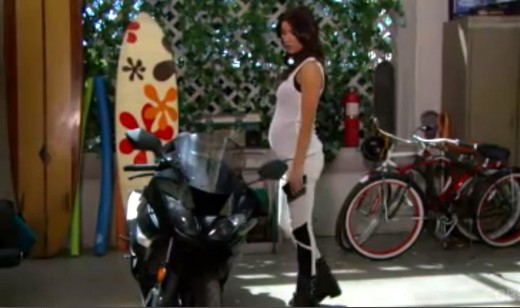 Steffy breaks a promise she made to Liam on their honeymoon and gets on her motorbike in a bid to avoid traffic...