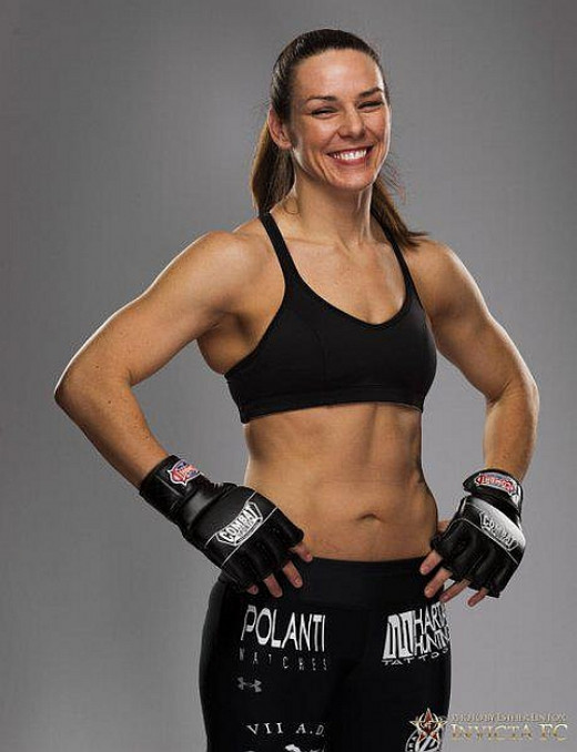 Alexis Davis - female mixed martial arts