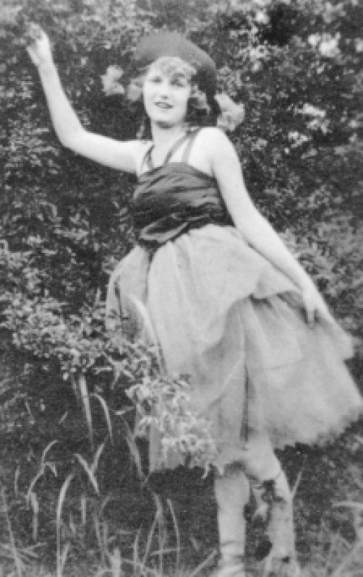 Zelda at 16 when she was an accomplished ballerina dancer and later, at age 27, she would try to revive a ballet dancing career.