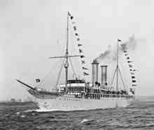 The first cruise ship, Prinzess Victoria Luise...