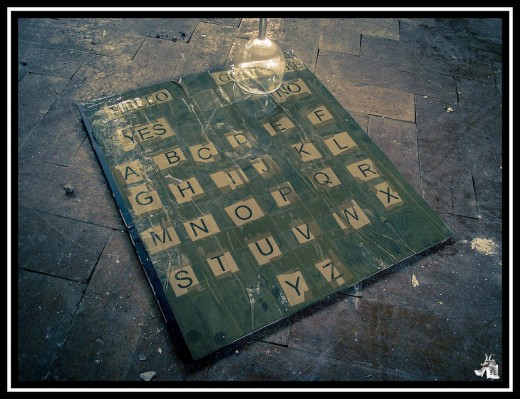 A homemade ouija board...I find it interesting that the person who made this has a Z in his flickr username (Zero81)