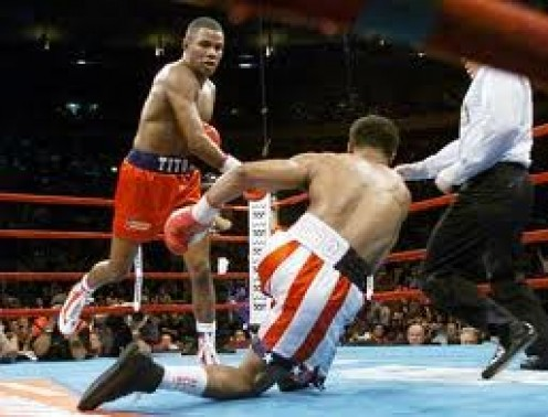 Felix Trinidad destroyed William Joppy with a 5 round knockout to win The Middleweight Championship.