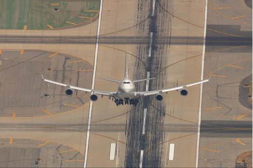 Boeing 747-400 going ballistic :D