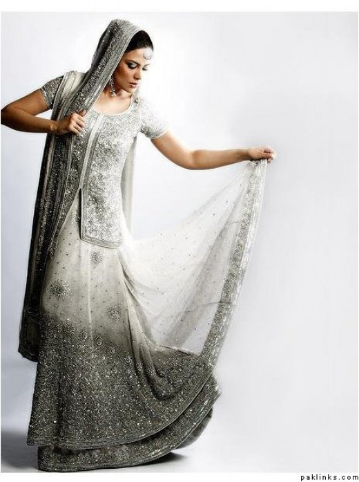 Grey and White with a touch of elegance ... Yet again we see the Fade effect and Two shades!