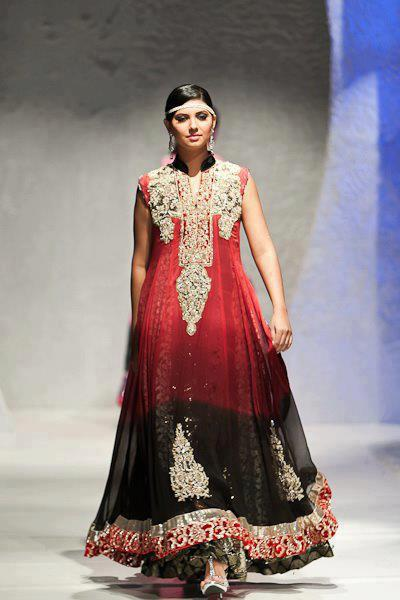 Awesomely Beautiful Bridal Maxi... Red blending into black. See the Two shade concept being relived here again..