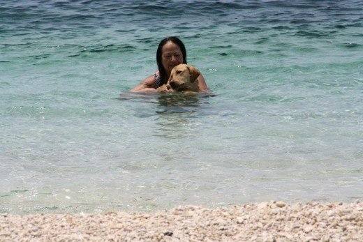 White Peeble Sand Beach - Santander, Liloan, Cebu, Philippines - Diving place for most Koreans & Japanese - enjoy with the dog pet of the Korean beach resort owner . miss my dog Benda we left her dogsitter in Switzerland, too long for her to travel