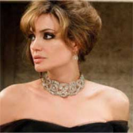 Angelina Jolie highlighting her slender neck with Diamond Choker