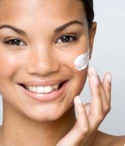 The Benefits of Using a Facial Toner