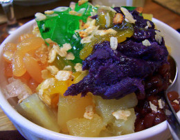 Halo-halo from bingbing on Wikimedia Commons