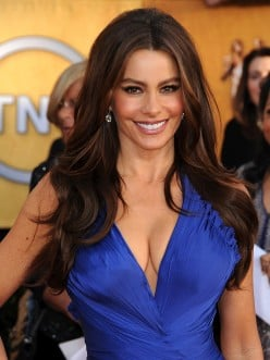 Sofia Vergara, Bilingualism and Bi-culturalism