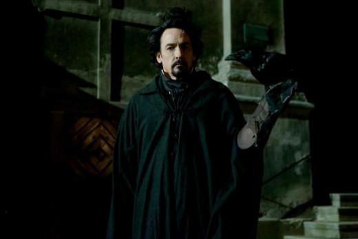 Edgar Allan Poe (John Cusack) © FilmNation/Relativity Media