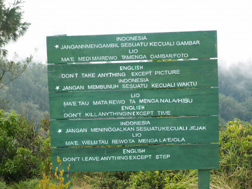 A sign to ponder - kelimutu flores indonesia