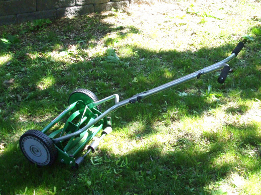 Light and lovely - a reel mower does not need polluting fossil fuel.