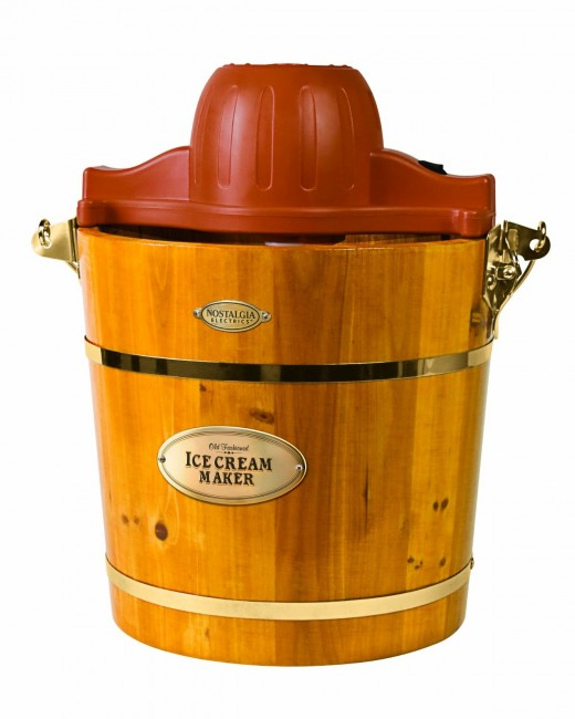 Nostalgia Electrics ICMW-400 4-Quart Wooden Bucket Electric Ice Cream Maker