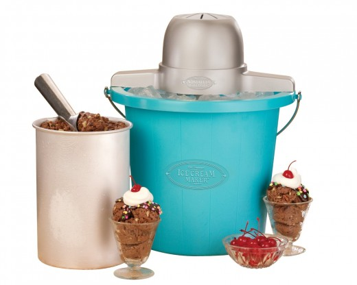 Nostalgia Electrics ICMP-400BLUE 4-Quart Electric Ice Cream Maker