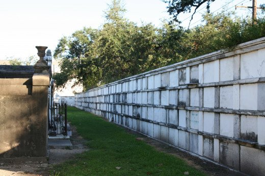 While most cemeteries in New Orleans use their exterior walls for oven vaults, in Lafayette No. 1 they were added after the fact, in 1858 and only in a few sections.