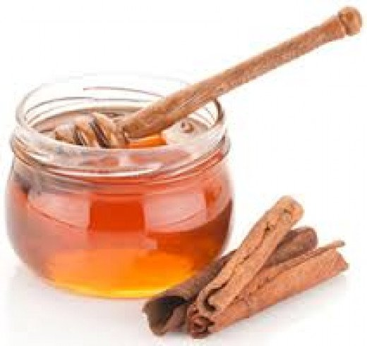 Raw honey can be mixed with cinnamon powder or be bought pre-infused! YS offers some for cheaps!
