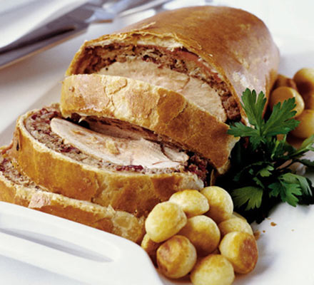 If you ever want to impress family and friends then making a classic Wellington is the perfect entrée to prepare.