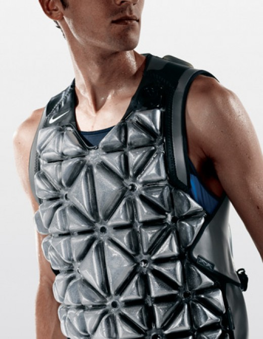 Pre-cool vests can be light and comfortable and are suitable for team sports in hot weather