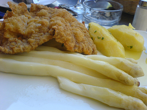 Spargel und Schnitzel from cle2050 on Flickr