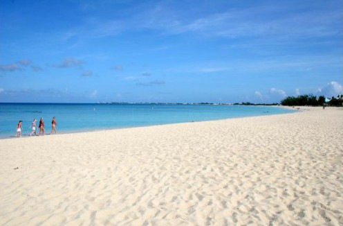 Seven Mile Beach; © Cayman Islands Department of Tourism