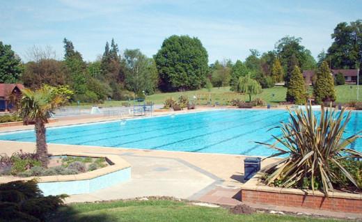 Guildford Lido pool taken in 2003.