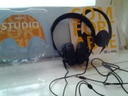 This is the Slick Studio Headphones